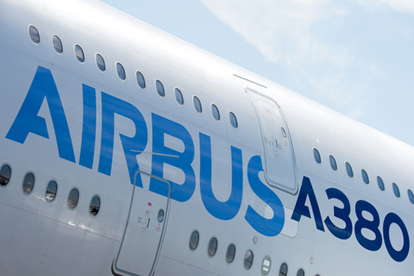 Airbus reaffirms commitment to A380 'superjumbo'
