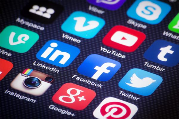 Social media 'critical' in a crisis