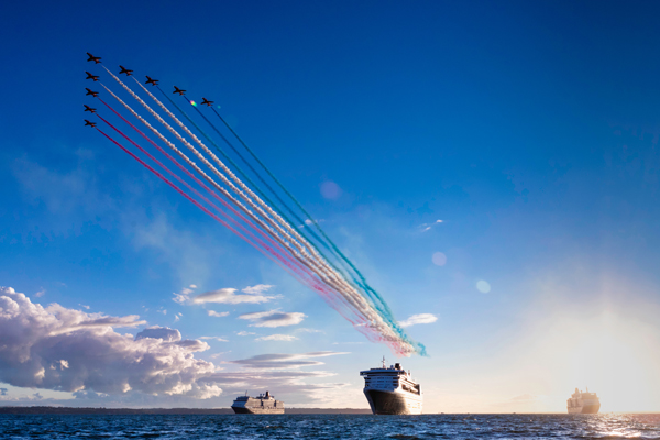Red Arrows perform air display over three Cunard ships
