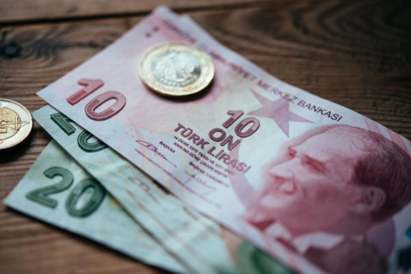 Brits cashing in on Turkey's lira fall